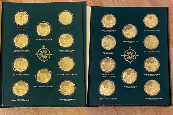 World. Medals 'The Voyages of Captain James Cook' (20 pieces) gilded sterling silver