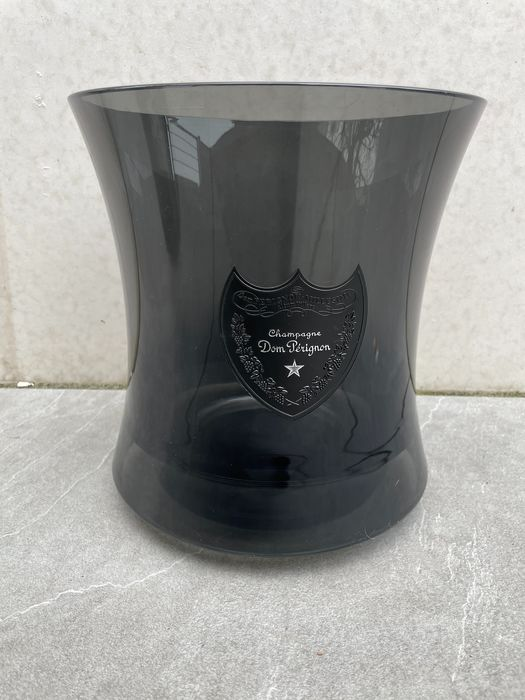 Dom Perignon acrylic smoke ice-bucket by Martin Szekely - Champán