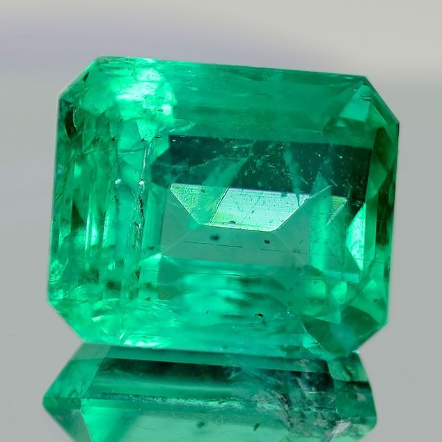1 pcs Green Emerald - 7.76 ct