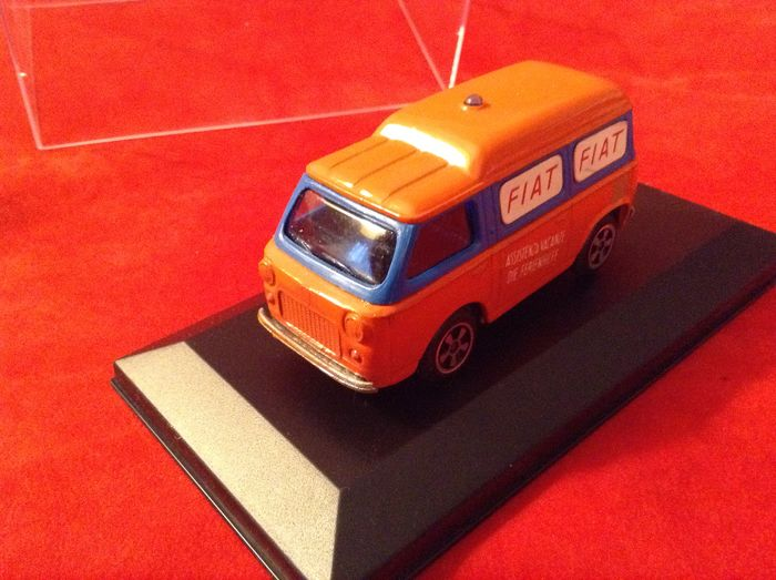 """Preview of the first image of Politoys - 1:43 - serie Export ref. #E24 Fiat 850 Van """"A.C.I. - Assistenza Vacanze"""" 1968."""