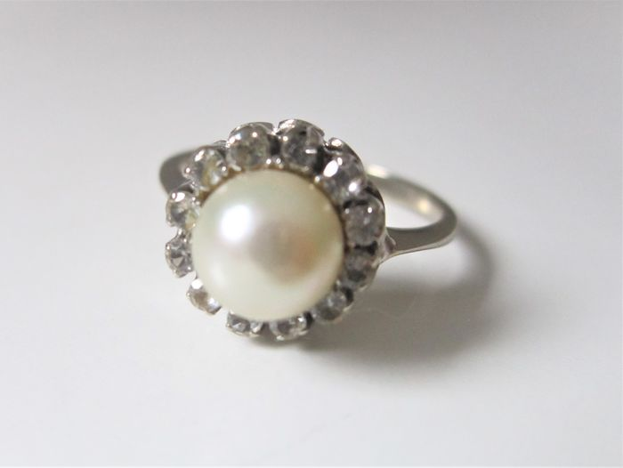 Silver ring with Akoyaperle