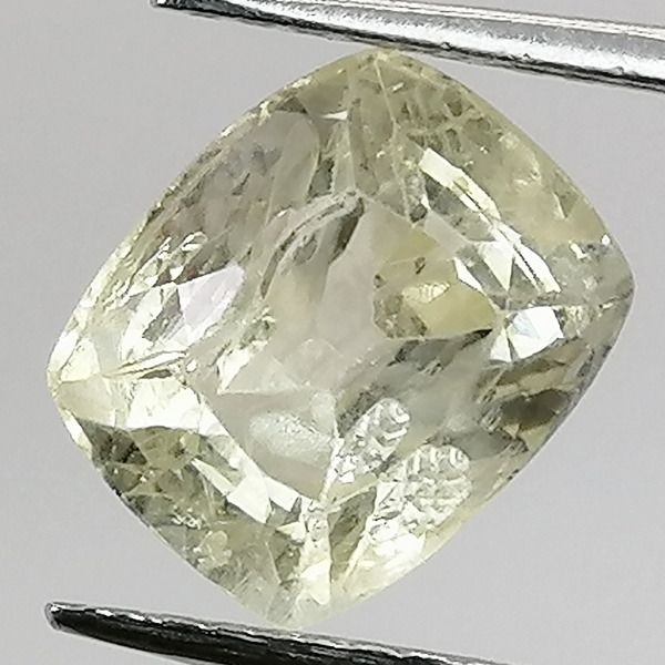 Light Yellow Sapphire - 3.10 ct