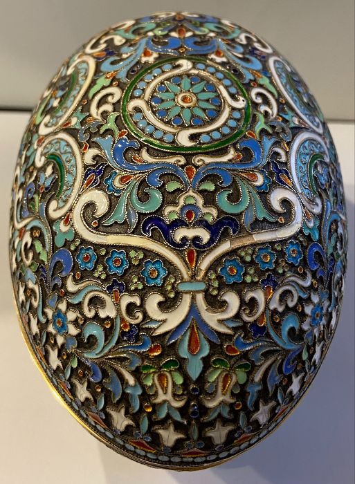 Preview of the first image of Cloisonne box egg - .875 (84 Zolotniki) silver - travail russe - Russia - Early 20th century.