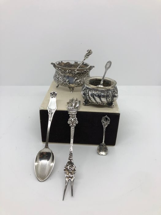 Image 1 of Salt cellar, Salt spoon (7) - .800 silver, .950 silver - Europe - Late 19th century