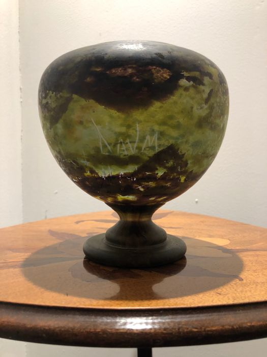Preview of the first image of Daum, Daum Frères - Chalice, Vase.
