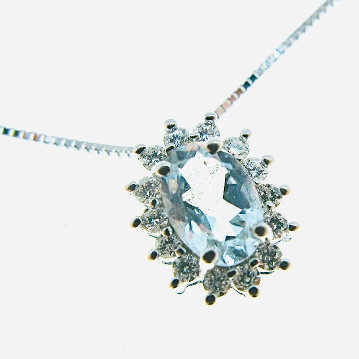 Entourage - 18 karaat Witgoud - Halsketting met hanger - 0.76 ct - Aquamarijn, Diamanten