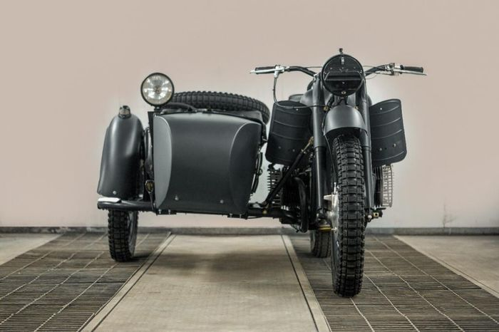 Preview of the first image of Dnepr - K750 - Sidecar - 750 cc - 1968.