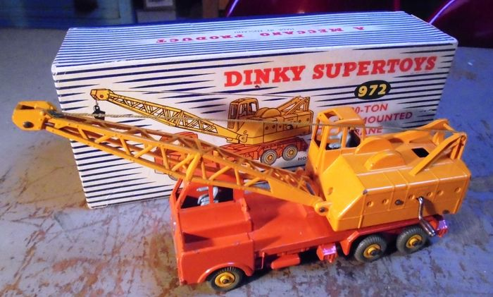 """Image 2 of Dinky Toys - 1:43 - 972 20-Ton Lorry-Mounted Crane """"Coles""""."""