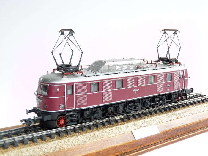 Preview of the first image of Trix H0 - 22708 - Electric locomotive - BR E-19, with royal eagle - DRG.