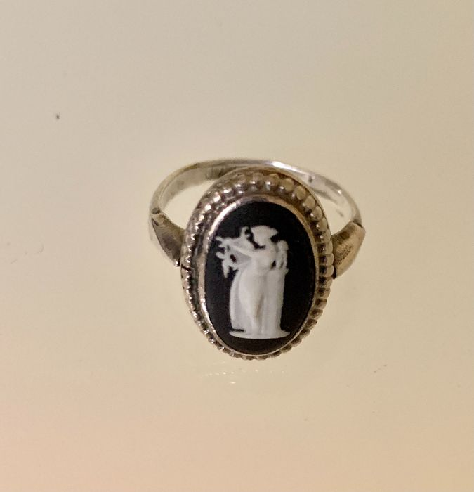 Preview of the first image of Wedgwood Jasperware - Cameo - 925 Silver - Ring.