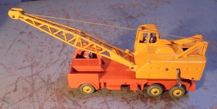 """Image 3 of Dinky Toys - 1:43 - 972 20-Ton Lorry-Mounted Crane """"Coles""""."""