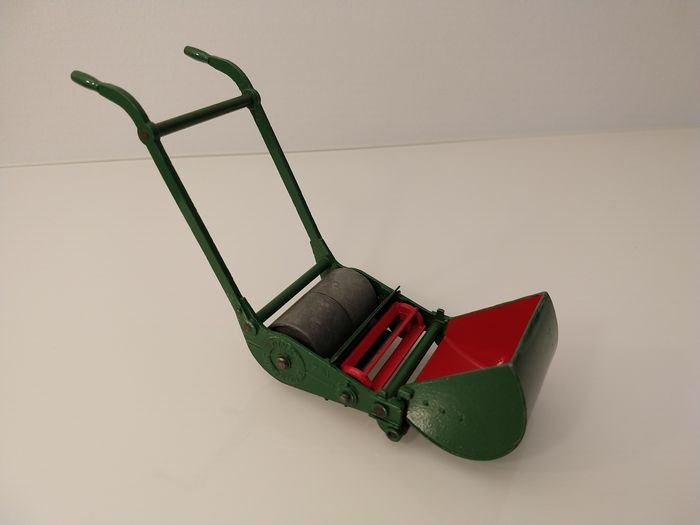 Image 2 of Dinky Toys - 1:12 - Supertoys 751 Lawn Mower (1949-1954) - Very Near Mint / Boxed