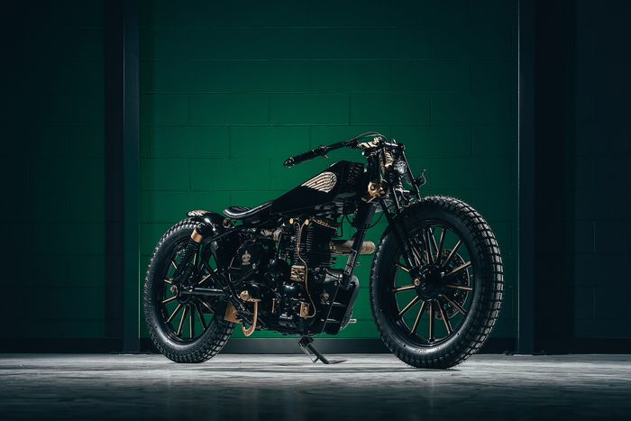 """Preview of the first image of Royal Enfield - Bullet - """"Born to fly"""" - 500 cc - 2008."""