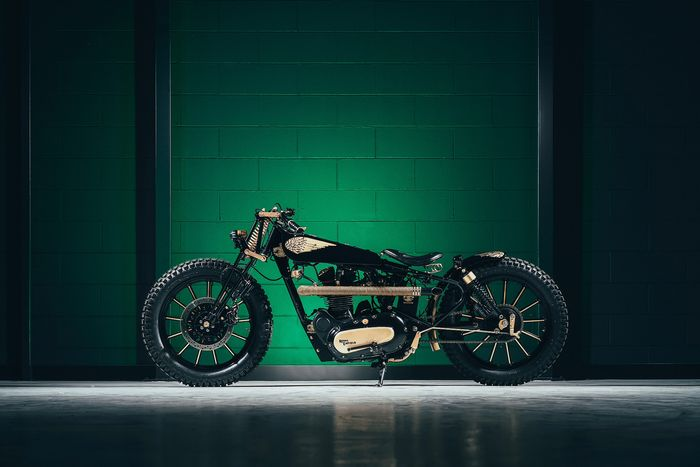 """Image 2 of Royal Enfield - Bullet - """"Born to fly"""" - 500 cc - 2008"""