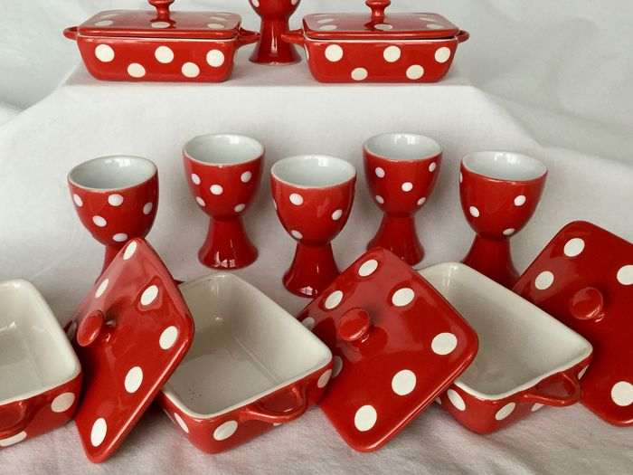 Beautiful set of six ceramic saucers for dessert or appetizers and six nice egg cups - high-quality ceramic porcelain, beautiful red with white dots __ NEW CONDITION