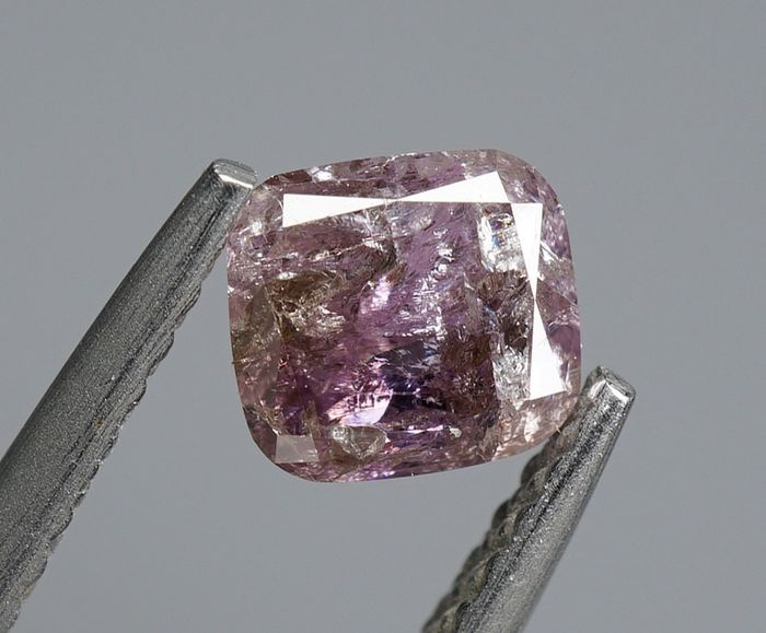 1 pcs Diamant - 0.69 ct - Forme de coussin - Natural Fancy Purplish Pink - I2- No Reserve