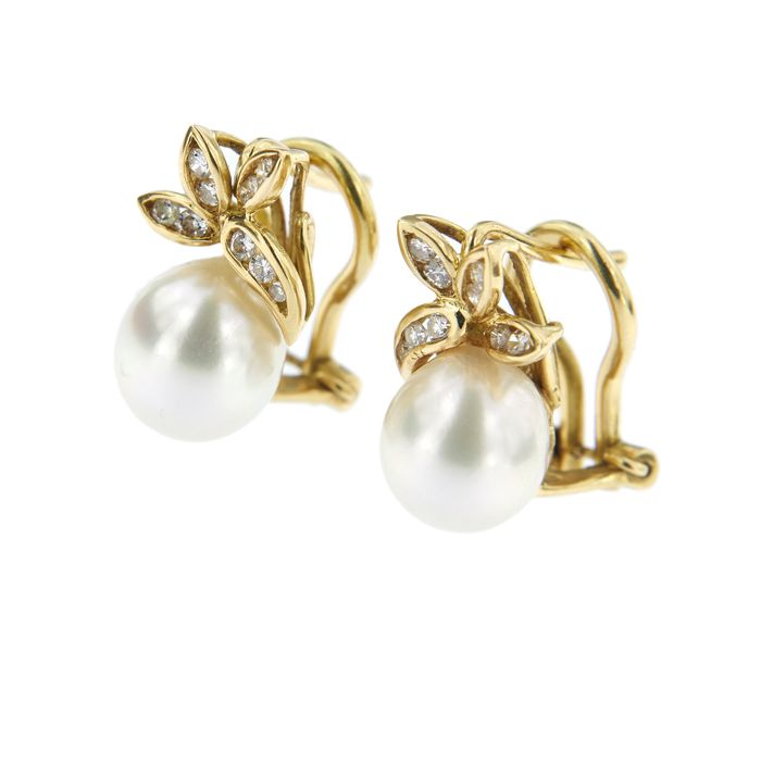18 kt. Saltwater pearls, Yellow gold, 8.5-9 mm - Earrings - 0.33 ct Diamond