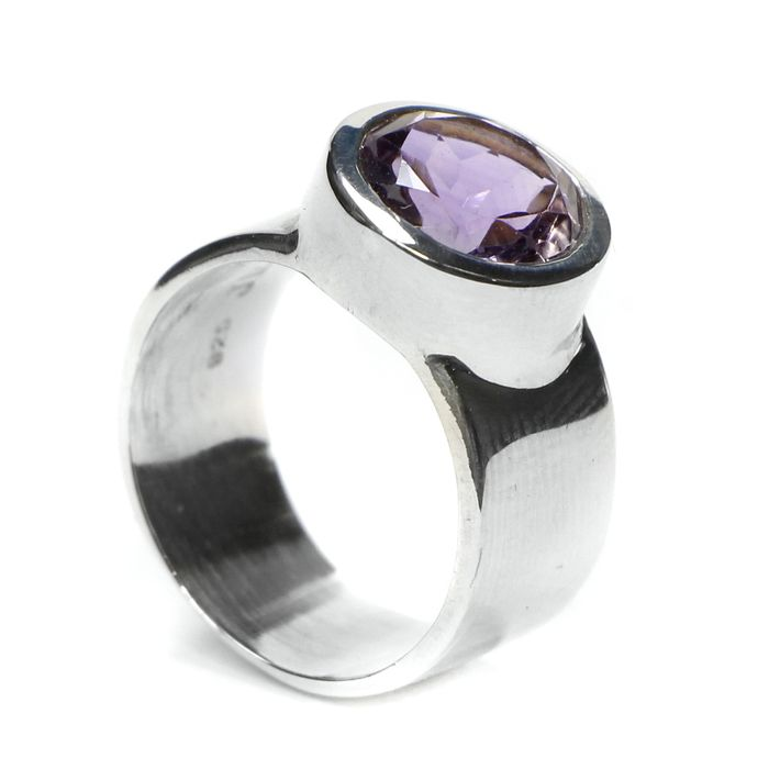 Great Quality Amethyst Silver Ring - 24×10×9 mm - 7.4 g