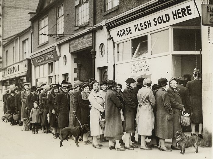 Unknown/Associated Press - Housewives Wait in Line for Horse Flesh, England, 1942