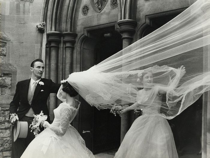 Unknown/Keystone Press - Bride's Veil Blows in the Wind, 1961
