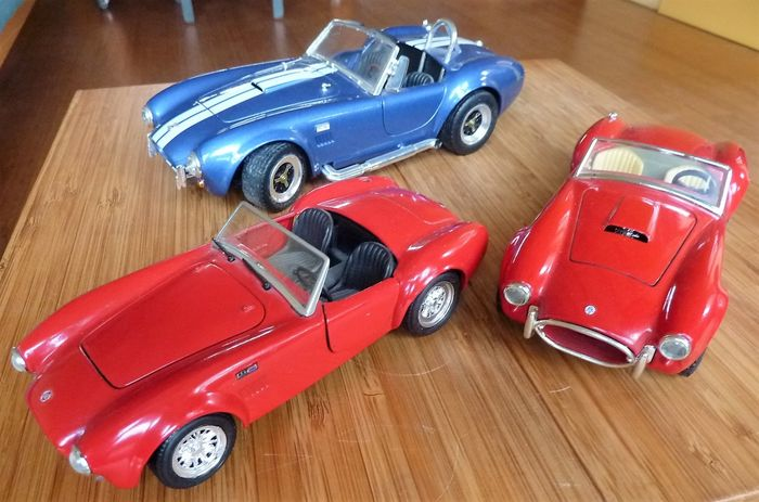 Revell - 1:18 - 1:24 - Shelby AC Cobra 427 collection