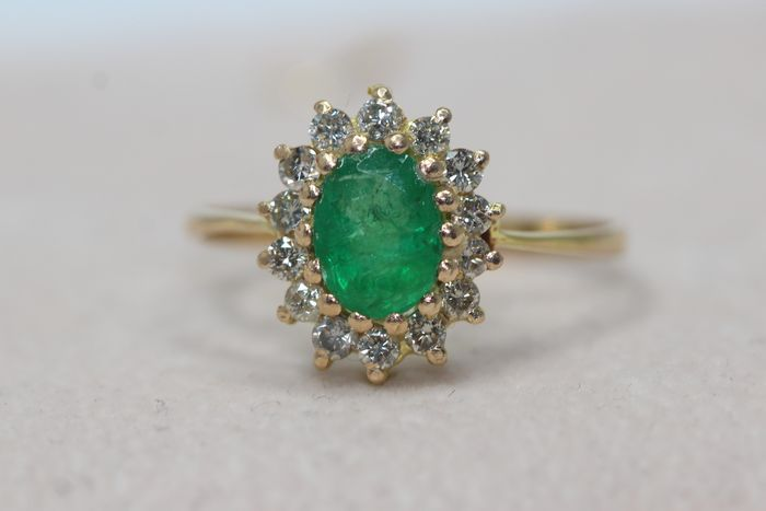 18 quilates Oro amarillo - Anillo - 1.00 ct Esmeralda - Diamantes