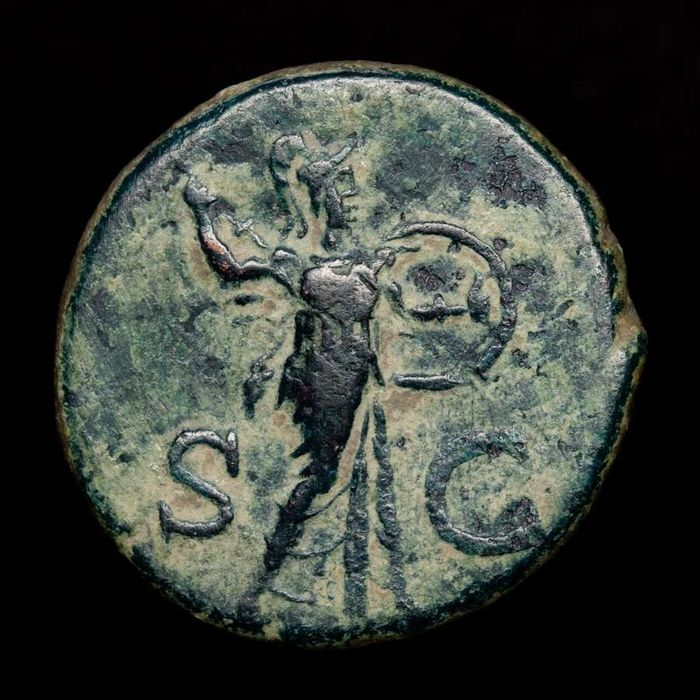 Roman Empire - As - Claudius I (41 - 54 A.D.) Rome mint, AD 41-42. S - C. Minerva brandishing javelin and shield - bronze