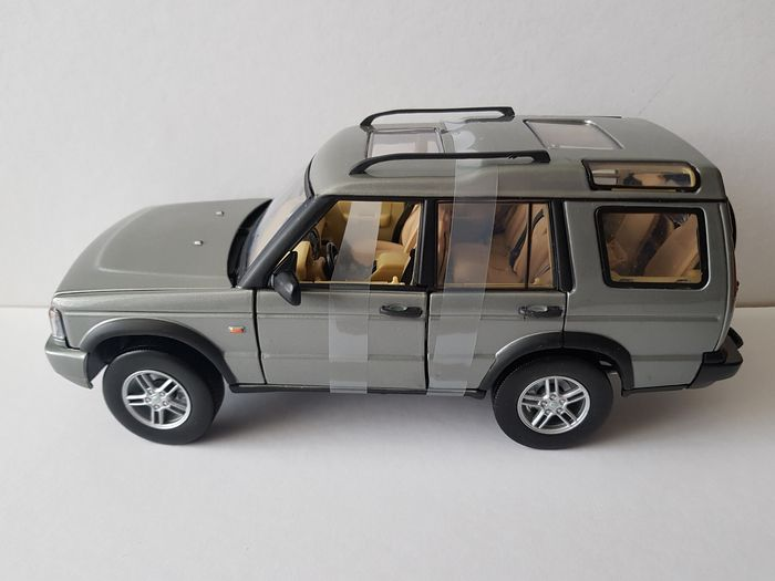 Motormax - 1:18 - Land Rover Discovery