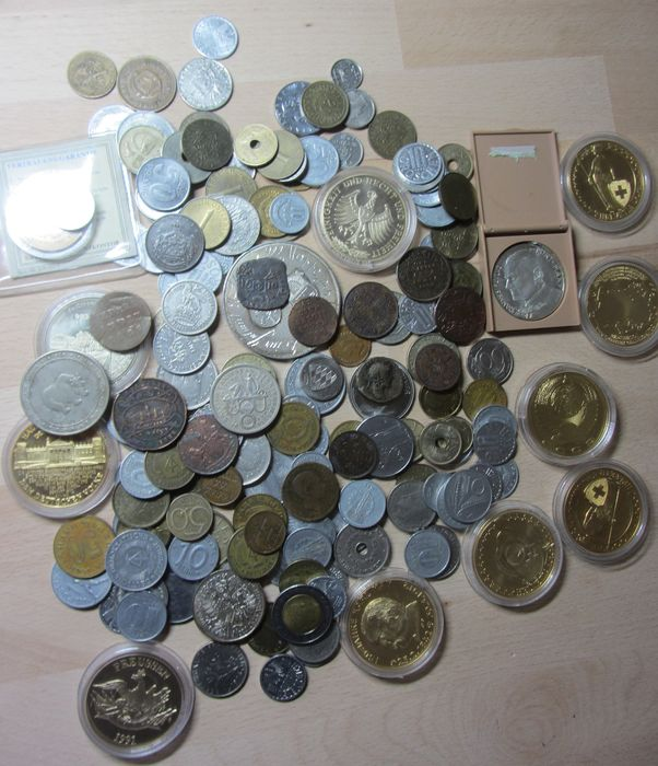 World - Lot various coins and medals incl. older coins (± 130 pieces)