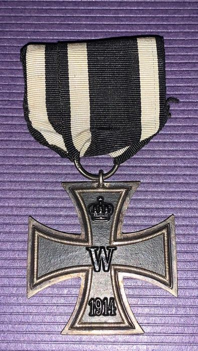 Germany - Iron cross 1914 (manufacturer S.W?) On single clasp!