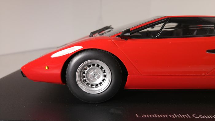Kyosho - 1:18 - Lamborghini Countach LP 400 Rood - 1974-1978 - Closed Bodyshell Diecast Model by Kyosho