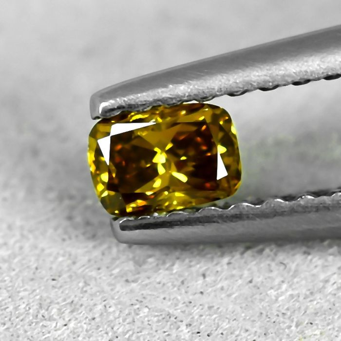 Diamant - 0.18 ct - Cushion - Fancy Vivid Orangy Yellow - Si1 - NO RESERVE PRICE
