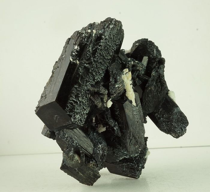 BLACK TOURMALINE with white albite - inspiration and happiness - TOP - 98×87×70 mm - 453 g