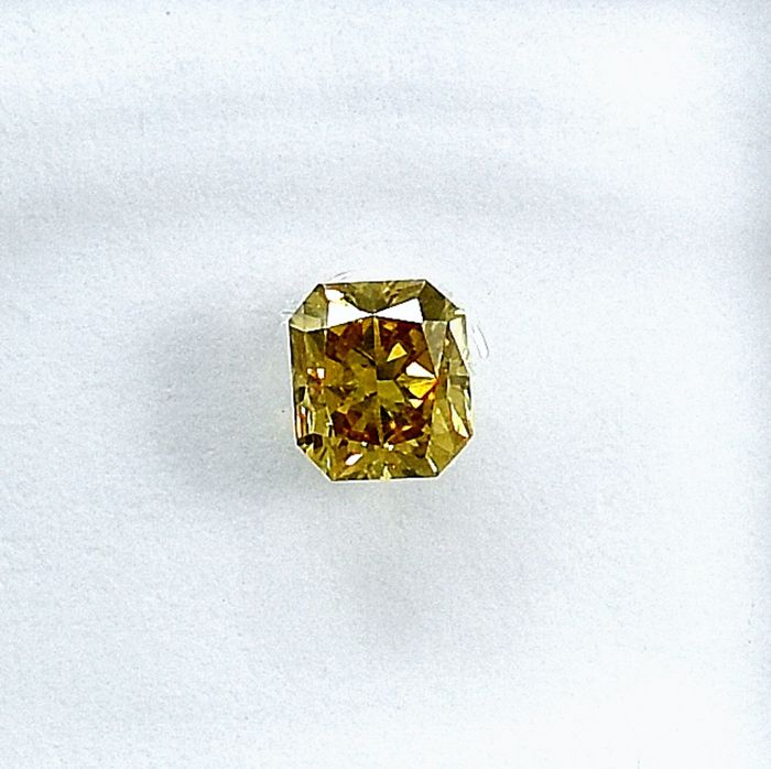 Diamant - 0.28 ct - Cut Cornered Rect.Mod Brilliant - Natural Fancy Brownish Yellow - SI2