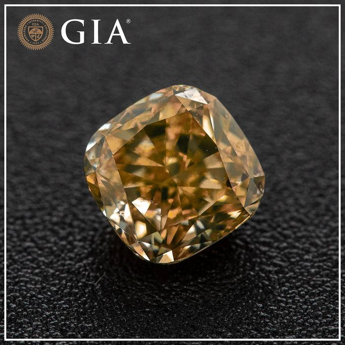 Diamant - 0.96 ct - Kissen - Fancy bräunlich- orange- gelb - SI1, No Reserve Price