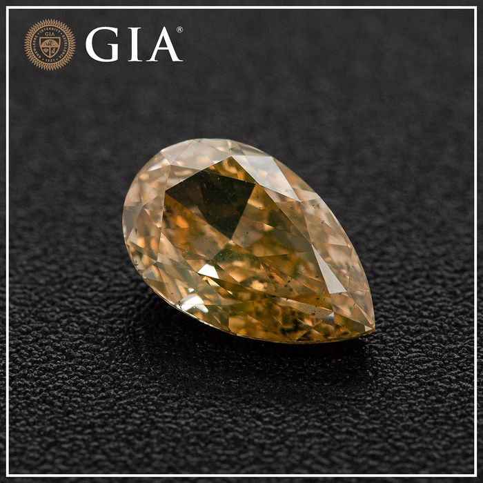 Diamante - 1.01 ct - Pera - fancy brownish orangy yellow - SI2