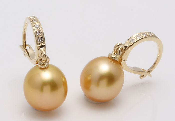 United Pearl - 14 kt. Yellow Gold - 9x10mm Golden South Sea Pearl Drops - Earrings - 0.09 ct