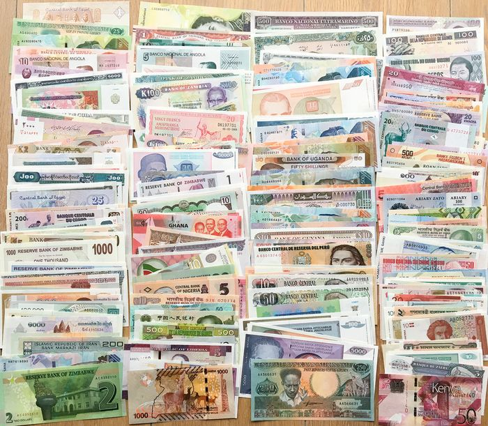 World - 200 Different banknotes - Various dates