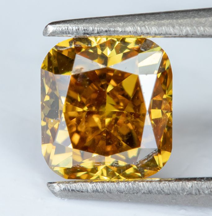 Diamante - 0.25 ct - Natural Fancy Vivid Yellowish Orange - SI1 *NO RESERVE*