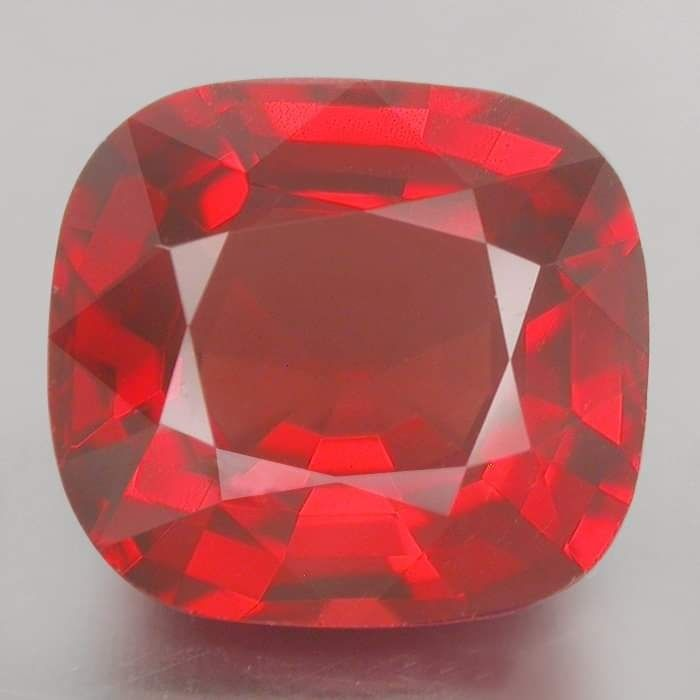 1 pcs Rojo intenso Espinela - 2.49 ct