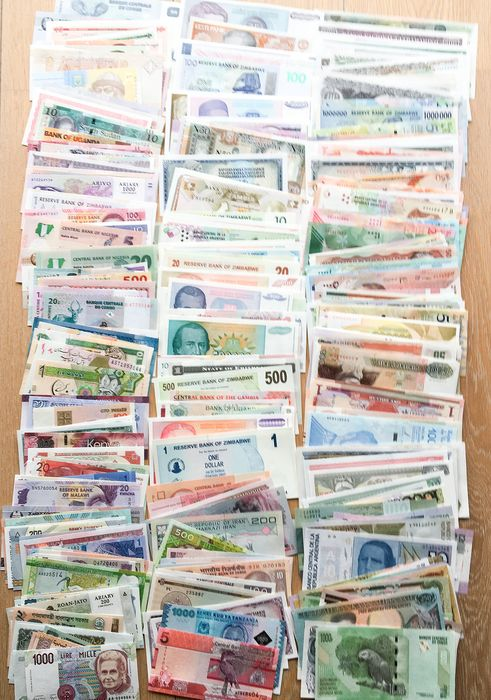 World - Lot various banknotes (300 different)