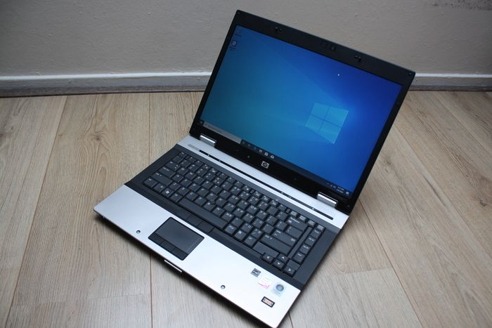 HP EliteBook 8530p - Intel Core2Duo 2.53Ghz, 4GB RAM, 160GB HDD, Windows 10 - with charger