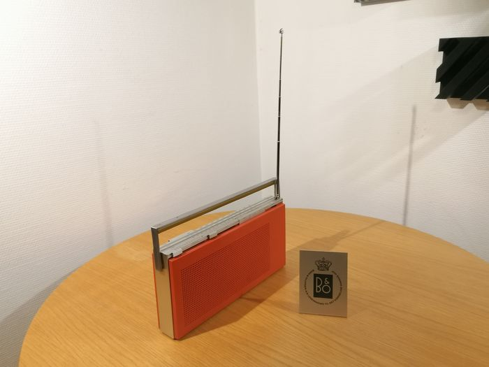 B&O - Beautiful serviced Beolit 600 in funky orange red - Radio de transistores
