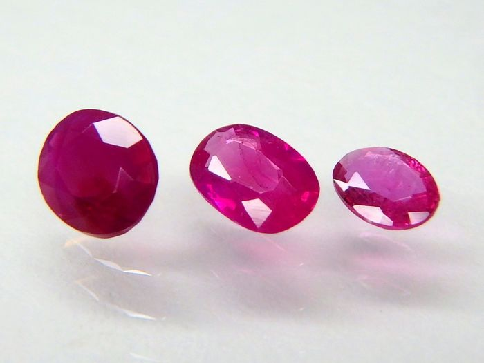 3 pcs  Ruby - * Geen reserve * - 0.72 ct
