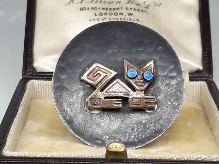 Modernist Cat with Moonstone Eyes - 18 carats Or jaune - Broche
