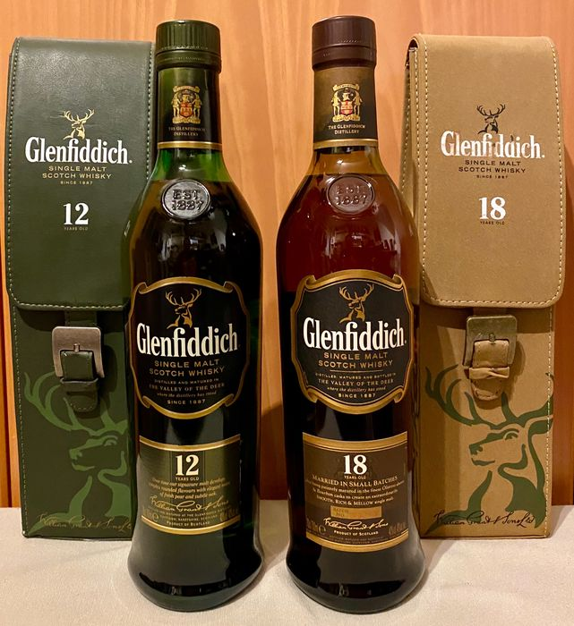 Glenfiddich 12 years old & 18 years old - leather pouch - Original bottling - b. Años 2000 hasta la actualidad - 700 ml - 2 botellas