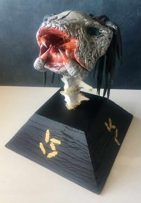 "Reproduction young ""Predator"" Head on custom stand - - Capra a. hircus - 23×19×19 cm"
