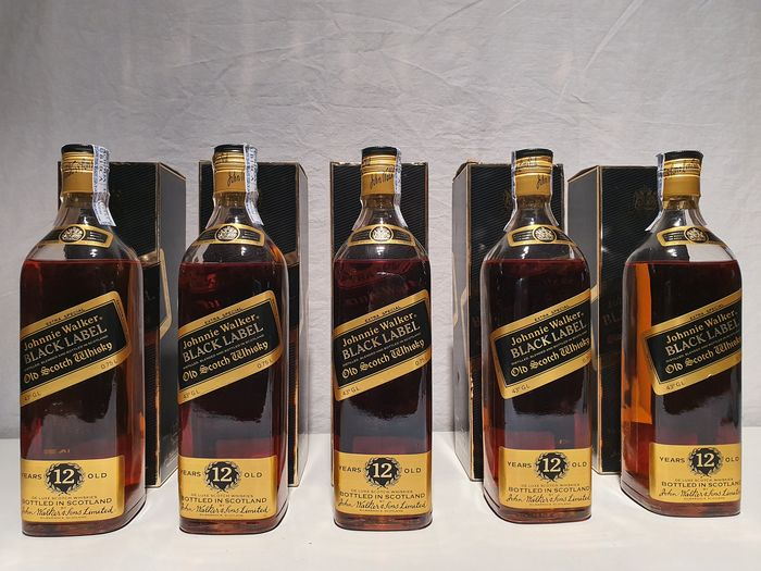 Johnnie Walker 12 years old Black Label - 70 cl - 5 botellas