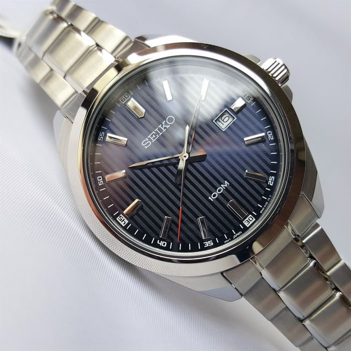 Seiko - Classic Blue Textured Dial Stainless Steel Date Hardlex - Homme - 2020 - New