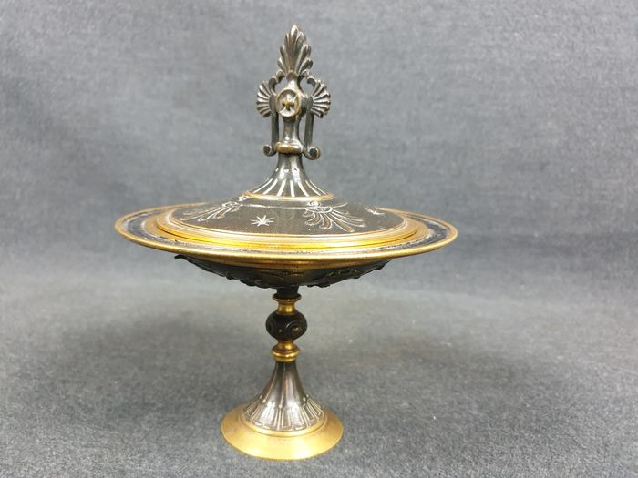 incense holder - Gilded and patinated bronze - Early 20th century